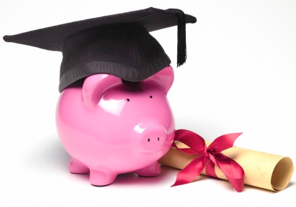 piggy bank and diploma 1